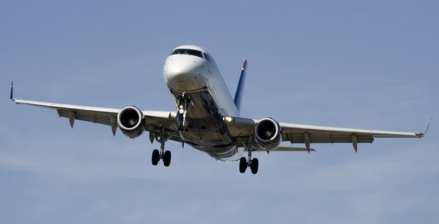 airplane-1554870_640